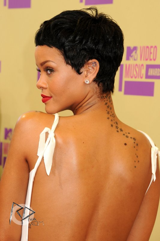 Nouvelle coupe de cheveux pour Rihanna