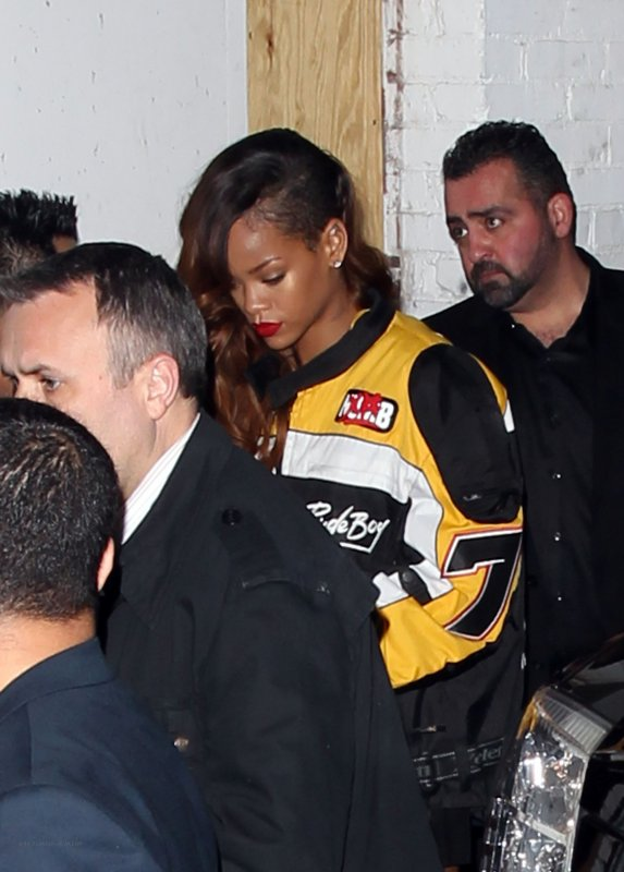 RIHANNA AU CLUB « PLAYHOUSE » À LOS ANGELES