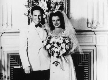 Son premier mariage a l'age de 16 ans.