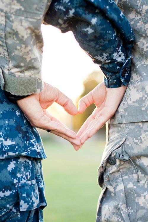 Je vis un amour avec un militaire