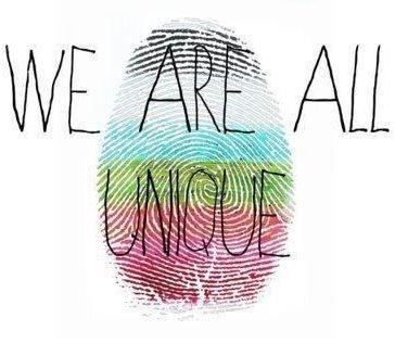 Chacun a sa culture, chacun a ses opinions, chacun a son passé, chacun a sa famille, chacun a ses amis, chacun est unique. On est tous différents !