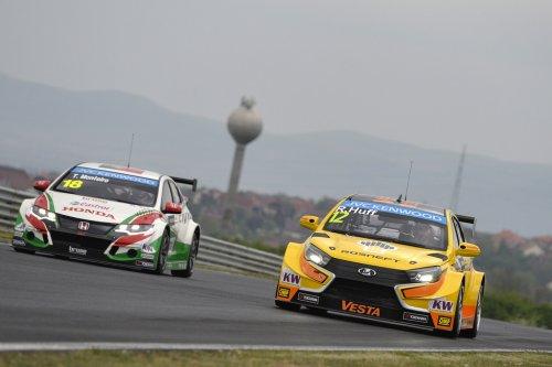WTCC en Hongrie (2) : Huff remet LADA Sport Rosneft sur la route du podium !!!