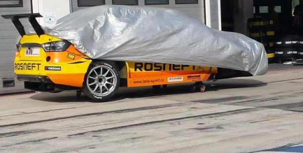 Grosse frayeur pour Rob Huff, bonne impression pour Néstor Girolami et pas mal de questions après la séance d'essais de LADA Sport Rosneft en Hongrie !!!