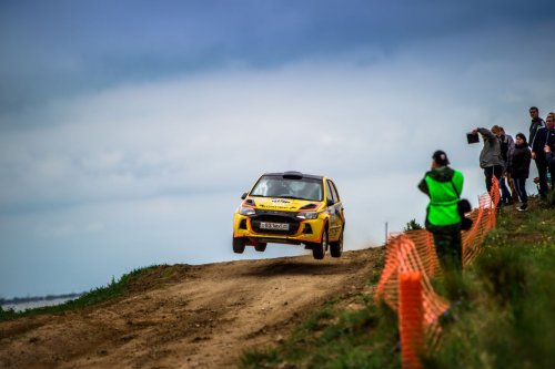 "Rallye ""Belye Nochi 2015"" : première journée en tête pour LADA Sport Rosneft !!!"