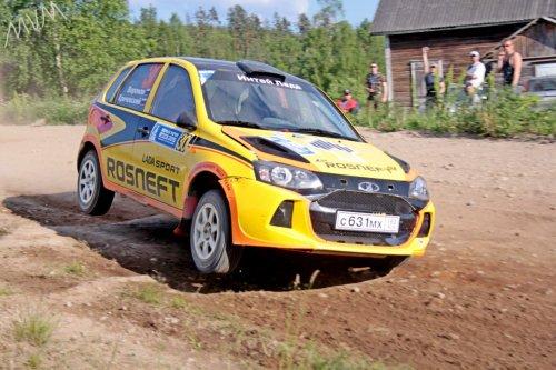 """Rallye """"Belye Nochi 2015"""" (2) : doublé et """"Top 5"""" pour LADA Sport Rosneft !!!"""