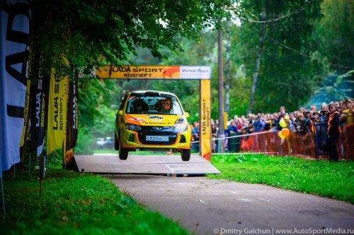 """Nouveau succès de LADA Sport Rosneft au rallye """"Saint-Pétersbourg 2015"""" !!!"""