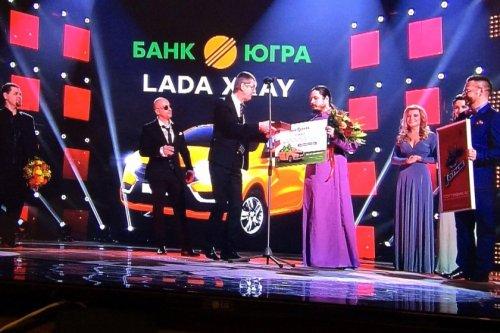 """Des LADA VESTA Sedan pour la police et une LADA XRAY pour """"The Voice"""" !!!"""