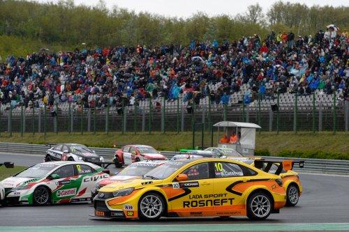 """Sentiments mitigés chez LADA Sport Rosneft au soir de la """"Race of Hungary""""..."""