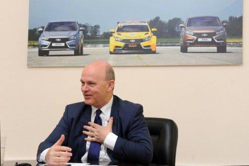 "Nicolas Maure : ""en comparaison de Dacia, LADA était une marque de luxe"" !!!"