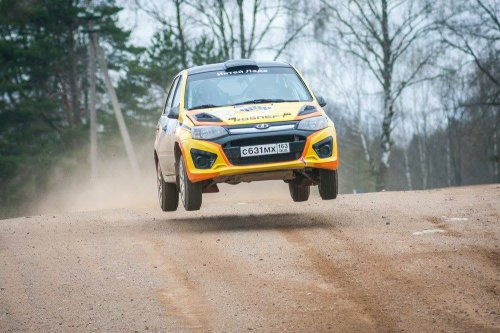 "Rallye ""Belye Nochi 2016"" : première journée en tête pour LADA Sport Rosneft !!!"