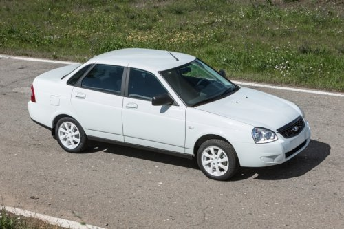 "Les LADA PRIORA Sedan ""Black Edition"" et ""White Edition"" enfin en vente !!!"