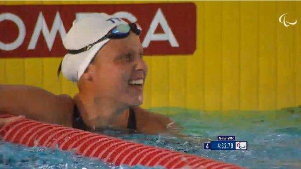 400m nage libre  de  elodie L  et anaelle R  s 10