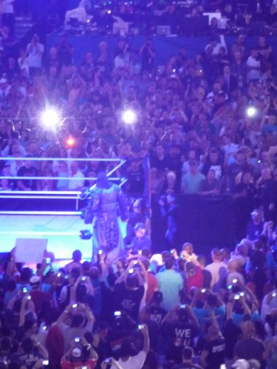 Hell In a Cell : Triple H vs The Undertaker arbitre spécial HBK