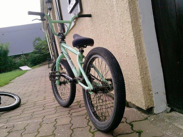 Bmx tout vert d'enfer :)