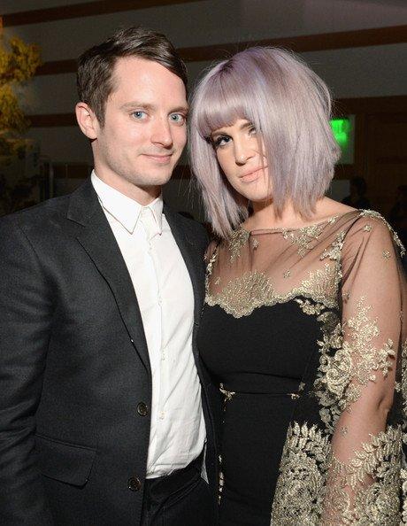 Elijah Wood  et Kelly Osbourne assistent L'art de 7th Heaven Gala annuel de l'Elysée