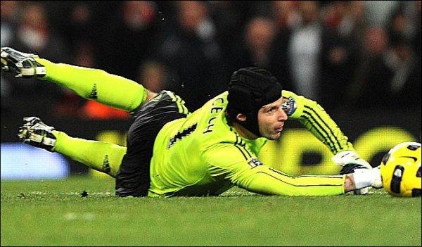 Cech ne lâche pas Ancelotti