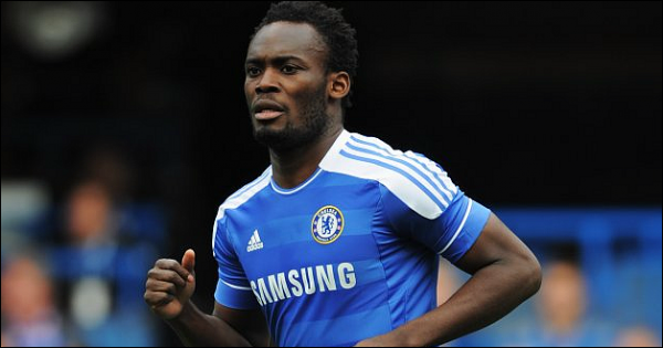 Essien out 6 mois