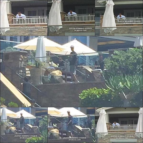 Le 11 août, Justin à été vu à Laguna Beach, en Californie. + 12 août, Justin à été vu à Laguna Beach dans l'hôtel Montage, en Californie. + 13 août, Justin à été vu à Laguna Beach, en Californie. + Photos promotionnelles pour What Do You Mean.