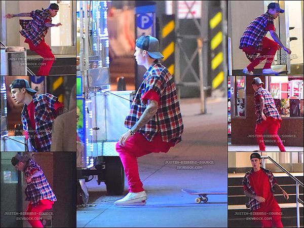Le 16 novembre, Justin à été vu dans les rues de New York.