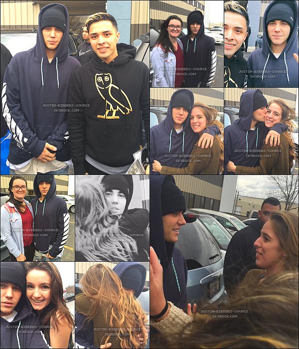 """Le 18 novembre : Justin apparait dans Zoolander 2 (Bande-annonce à 0:53)+18 novembre, Justin à été vu par des fans dans Chicago. + 18 novembre, Justin à réalisé son concert pour la promo de son album """"An Evening With Justin Bieber"""" à Chicago, dans l'Illinois. + Le 19 novembre, Justin à été vu par une fan dans Houston au Texas."""