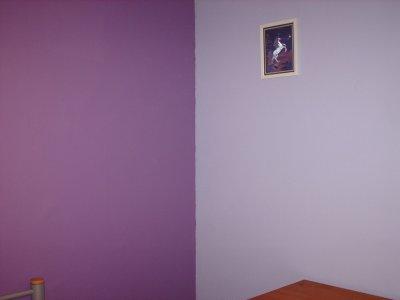 chambre mauve petite jenni. Black Bedroom Furniture Sets. Home Design Ideas