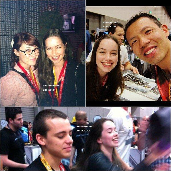 """. Anna a assisté au """"San Diego Comic-Con"""" pour promouvoir Halo 4: Forward Unto Dawn.."""