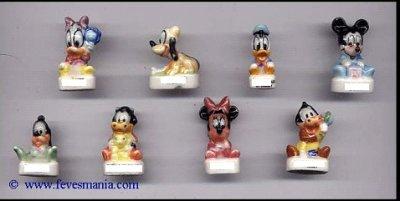 Feves Disney avec socle blanc, inscription Arguydal sous le socle ou au dos des médaillons