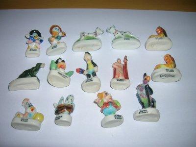 Feves Disney avec le logo ARGUYDAL imprimé ou gravé sous le socle, celles que j'ai, je recherche les autres