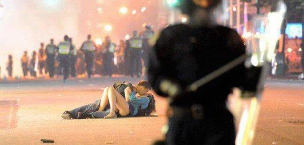 l'amour pas juste dans lit, pas tout au pleine guerre aussi ♥