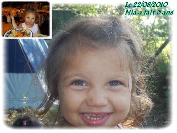 3 ans de ma princesse MIA en famille dans un resto oriental =)