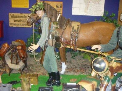 Soldat Allemand avec son cheval