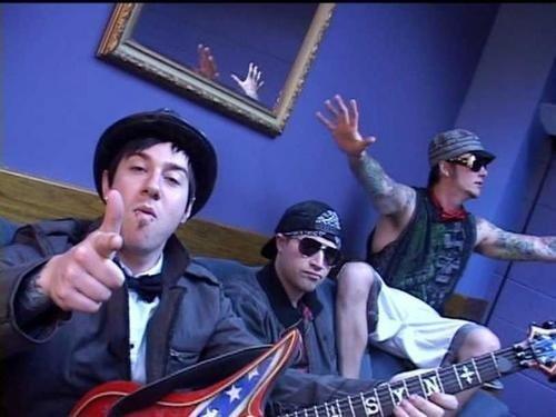 Zacky , Johnny & Syn