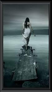 La solitude est un enfer pour ceux qui tentent d'en sortir ; elle est aussi le bonheur pour les ermites qui se cachent.