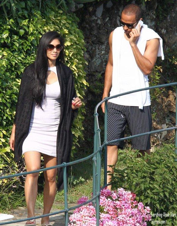 Nicole Scherzinger et son chéri Lewis Hamilton en train de se relaxer en amoureux en Italie    le 29 Mai 2012