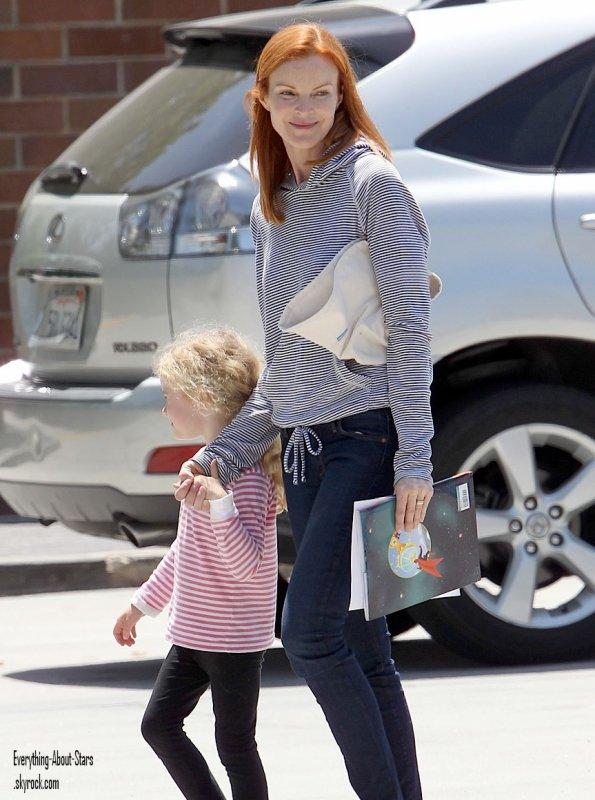 """Marcia Cross est allé récupérer sa fille Eden à l""""école à Santa Monica   le 29 Mai 2012"""