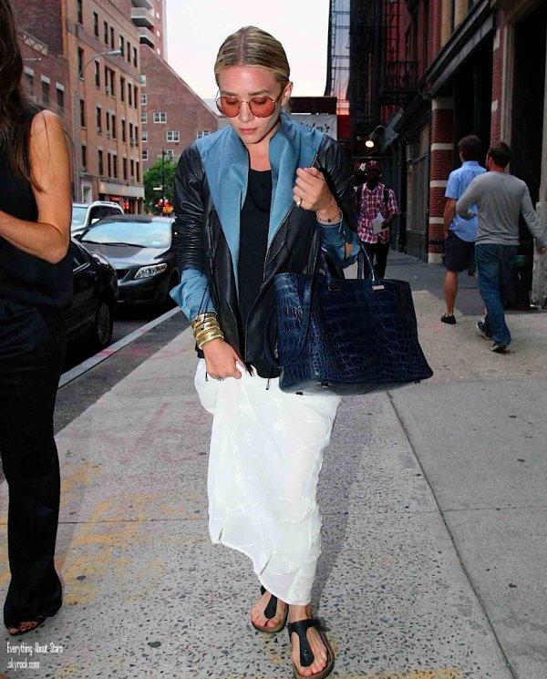Ashley Olsen aperçue dans les rues de Londres   le 9 Juin 2012