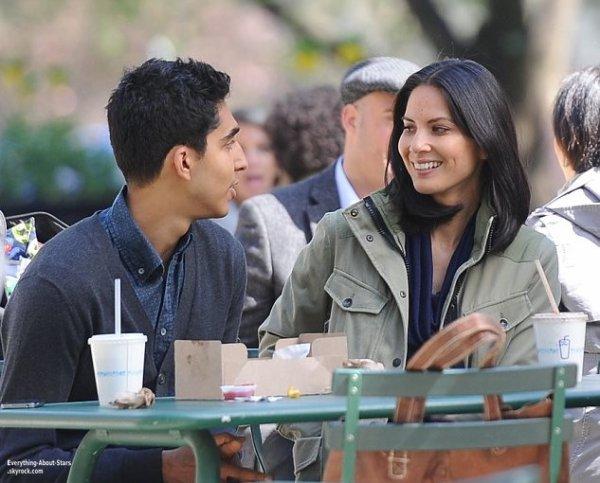 Oliva Munn et Dev Patel ont étaient aperçue en train de tourner une scène de The Newsroom à New York  Le 24 Avril 2013