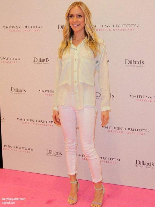 Kristin Cavallari été a Las Vegas pour promouvoir sa nouvelle ligne de chaussures au magasin de Dillard à la Fashion Show Mall    Le 4 Mai 2013