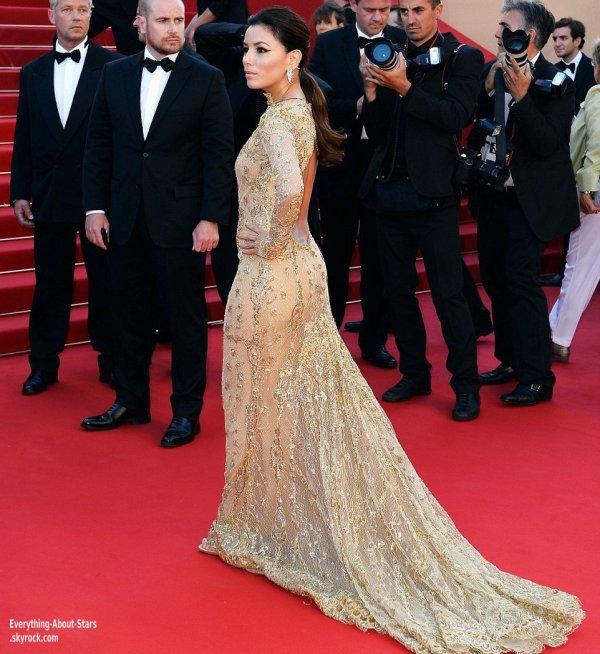 Eva Longoria pour la montée des marches du film Le Passé lors du Festival de Cannes  Le 17 Mai 2013
