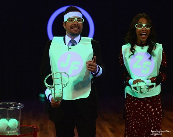 Zoe Saldana à fait une apparition lors de l'émission  Late Night with Jimmy Fallon  à New York City   Le 17 Mai 2013