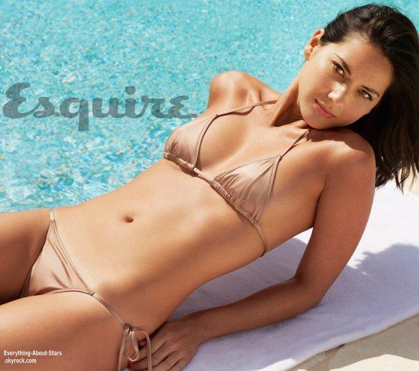 Olivia Munn pose pour le magazine Esquire