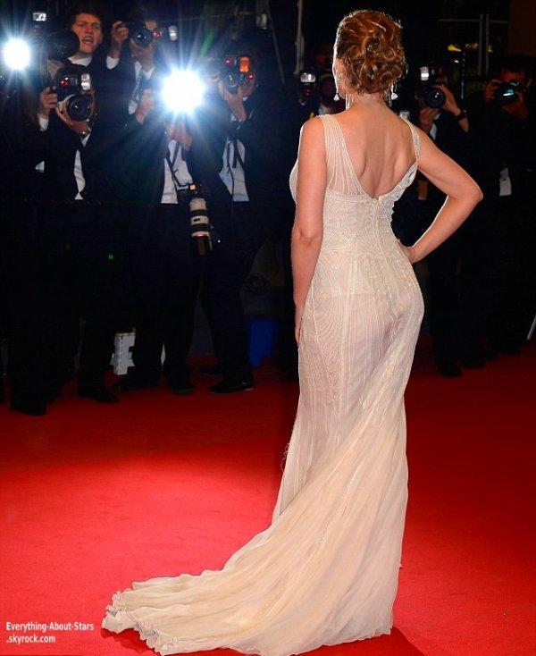 Kylie Minogue pour la montée des marches  lors du Festival de Cannes  Le 21 Mai 2013