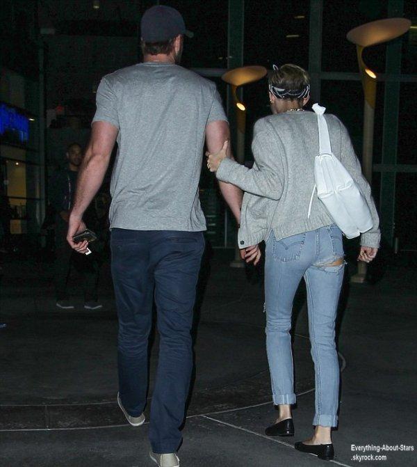 Miley Cyrus et son fiancé Liam Hemsworth aperçue à la sortie du cinéma Arclight à Hollywood  Le 18 juin  2013