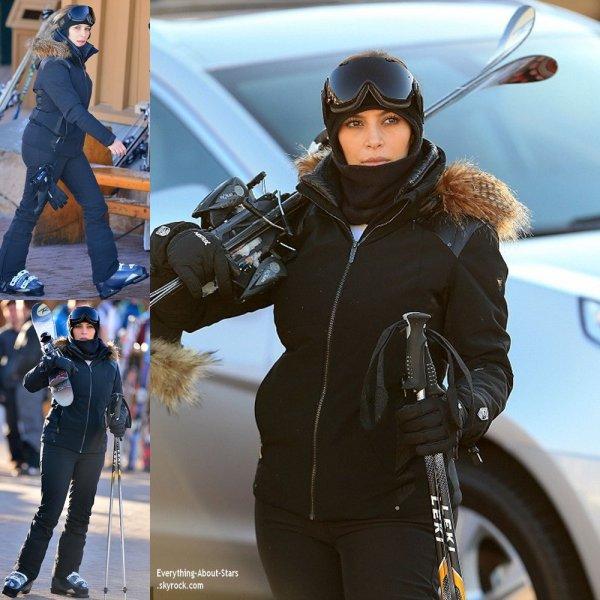 02/01/13: Kim et Kourtney Kardashian en vacances au ski avec Kyle Richards et son mari Mauricio à Park City dans l'Utah