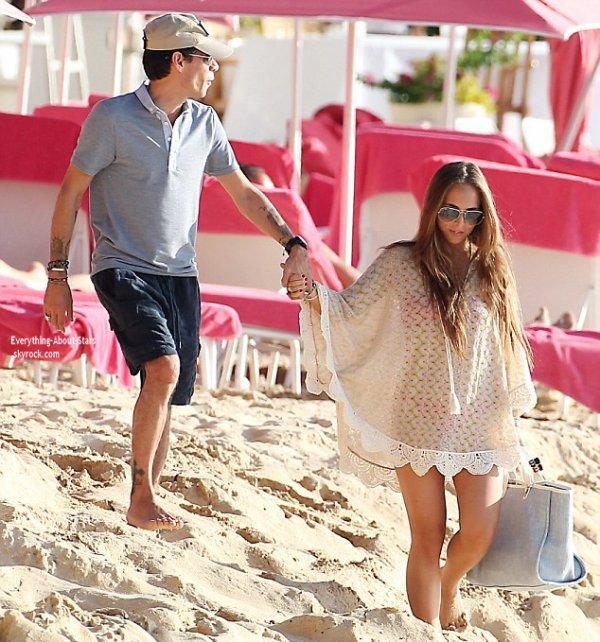 01/01/14: Marc Anthony et sa petite amie Chloé Green en vacances à la Barbade