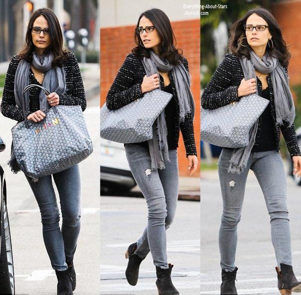 03/01/14: Jordana Brewster aperçue se rendant au Lemonade Restaurant à Beverly Hills