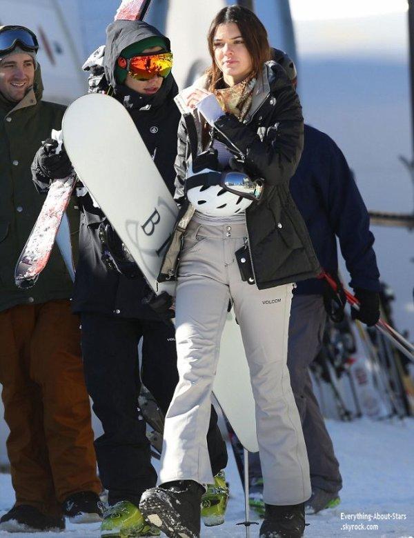 03/01/14: Kendall Jenner et Harry Style ont été repérée ensemble en vacances au ski à Mammoth