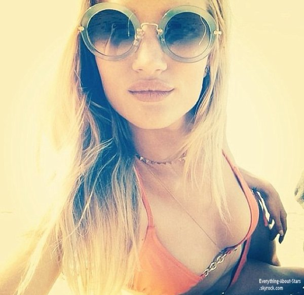 Photos personnelles de Rosie Huntington Whiteley