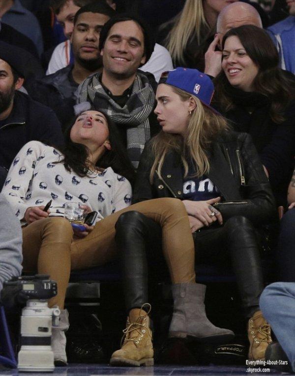 07/01/14: Cara Delevingne et Michelle Rodriguez aperçue trés proche lors du match de Basketball opposant les Knicks de New-York aux Pistons de Detroit