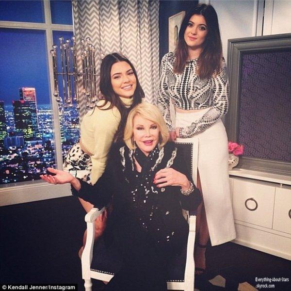 09/01/14: La belle Kendall Jenner, est arrivée au studio E! afin de se rendre sur le set de la Fashion Police